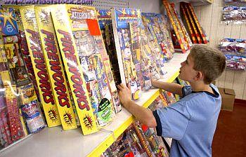 Fireworks_for_sale_1