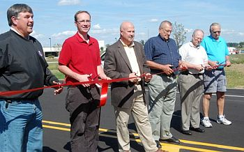 Pioneer Road Ribbon Cutting_City