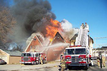 Fire_400Penn_east