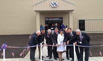 Donnelly_ribbon cutting