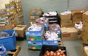 NeighborhoodCenter_Food Drives2012