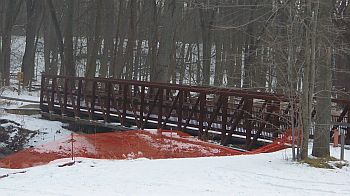 GreenwayTrail_SteelBridge_sleddingHill