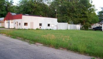 716 North Plum_garage