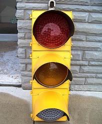3-330 stop light
