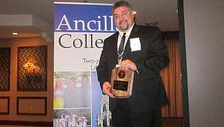 Ancilla_Awards-DInner_2013_TOny Ross