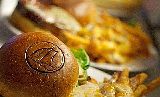 LakehouseGrille_burger
