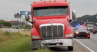 Crash_US30 railroad_semi