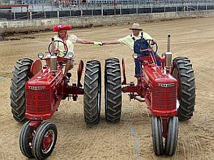 Square Dancing Tractors_2