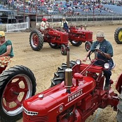 square Dancing Tractors_4